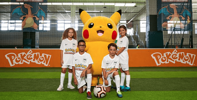 enfants avec pikachu